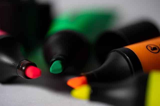 Marker Paper Pen Business Pencil  - christoph_mschrd / Pixabay